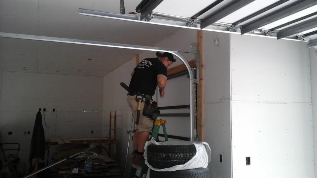 Garage door services shakopee mn garage door man for Garage man door